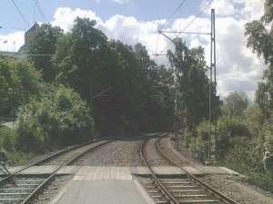 Torsvik åt andra hållet, i riktning mot Gåshaga. Här går banan över i enkelspår en kortare sträcka.