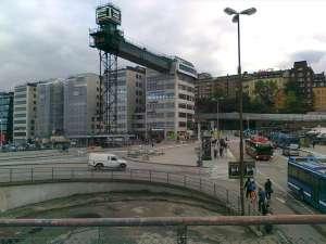 Bild upp mot Katarinahissens gångbro, som de föregående bilderna var tagna ifrån