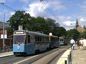 Motorvagn A51 nr 210 (från Oslo) och släpvagn B31C nr 618 (från Göteborg) ute på Djurgården