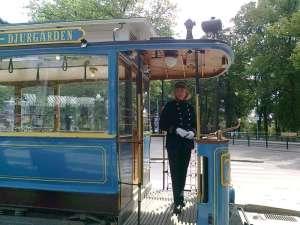 Spårvagnsförare i gammal uniform
