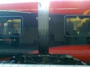 MTR Express, Jacobsboggie mellan två vagnar