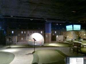 Globen ligger som en golfboll mitt i banan