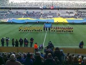 Sverige och Danmark står uppställda inför den första fotbollslandskampen på Tele2 Arena