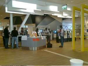 Kista Bibliotek, den centralt placerade informationsdisken
