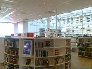Kista Bibliotek, luftig interiör