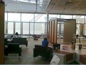 Kista bibliotek, soffgrupper och hängmattor