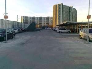 Täby Centrum parkeringsgaraget takparkeringen