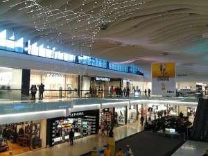 Täby Centrum, stor öppning mellan våningsplanen
