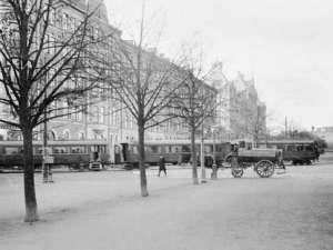 Djursholmståget korsar Valhallavägen 1905
