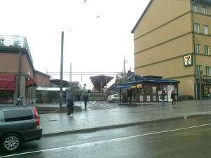 Gluggen mellan husen vid Östra station