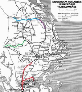 Klickbar karta. Rött är Roslagsbanan, grönt är museibanan Lännakatten, blått är godsbana breddad till normalspår och lila är nybyggt normalspår 1977