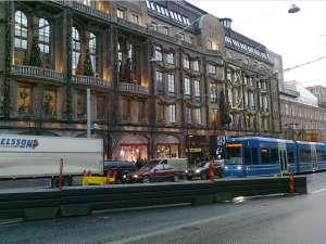NK-Expressen (spårvagnslinje 7 mot Djurgården) utanför NK