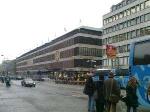Temporär busshållplats linje 69 vid Åhléns City