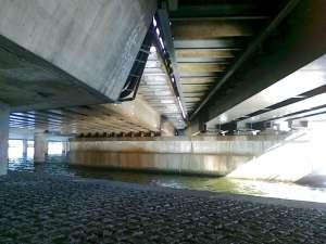 Under järnvägsbron vid Tegelbacken mot söder