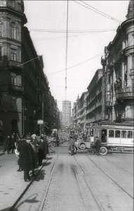 Kungsgatan vid korsningen med Vasagatan år 1924
