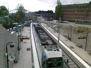 Sickla, slutstation för Tvärbanan och hållplats för Saltsjöbanan